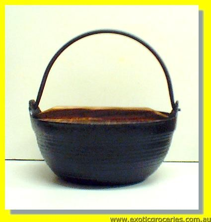 Cast Iron Pot Medium with Wooden Lid