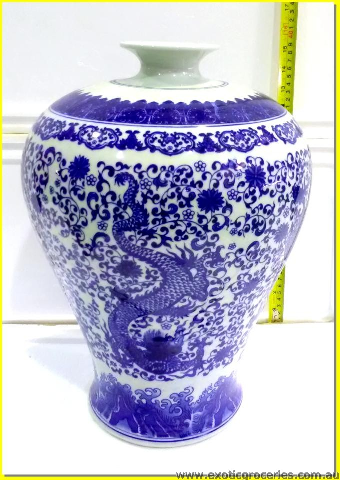 Chinese Vase Flying Dragon