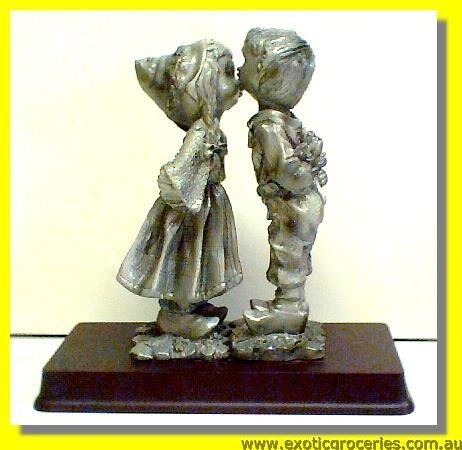 "Lovely Couple Figure 6.5""H"